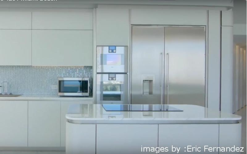 miami cucina doppio forno senza maniglia moderna beach vista mare casa arredamento negozio mobilificio bologna e provincia induzione piano quarzo