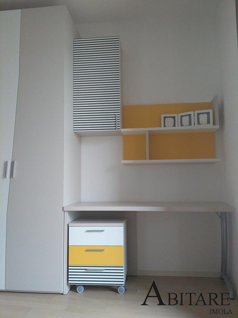 armadio angolare ante cabina dielle camerette scrittoio color tortora arredare casa arredamento imola bologna ozzano emilia