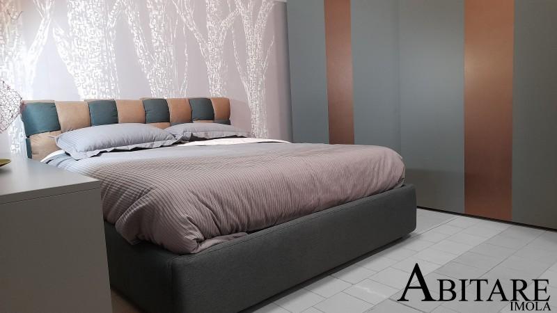 armadio scorrevole camera da letto arredamento arredare imola letto contenitore alzarete verde bosco interni design casa