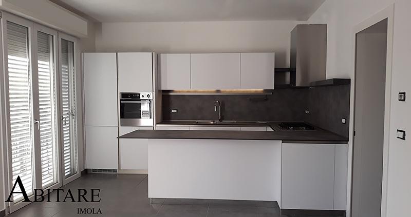 arredare casa cucina componibile moderna way snaidero cucine penisola rivestimento forno in colonna bologna budrio medicina