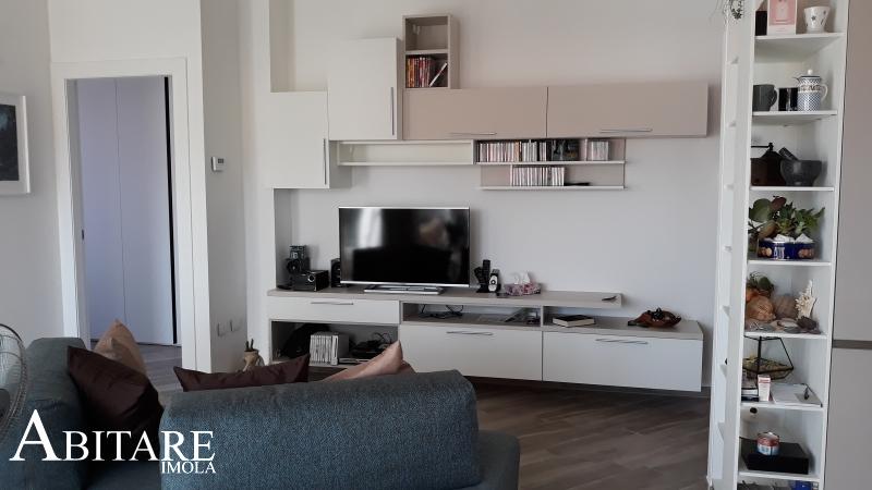 arredare casa mobile sospeso tv bianco interior design arredare casa arredamento imola bologna castelsan pietreo tv parete soggiorno living open space