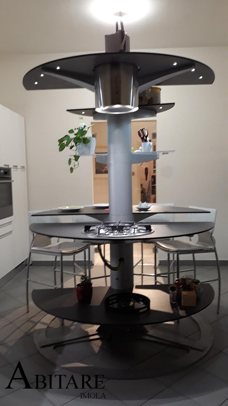 cucina tonda isola design arredare casa treestyle kitchen oikos interiordesign furniture mobilificio bologna imola