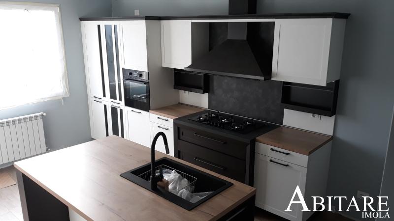 hera snaidero cucina classica bianca isola centro stanza cappa arredo arredare casa mobilificoo reda afenza bologna provincia