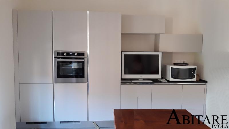 oikos cucine arreda arredare arredamento imola bologna dispensa colonna frigo forno tavolo rustico cucina senza maniglia