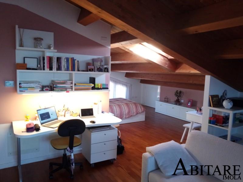 sottotetto camerette dielle libreria scrivani scrittoio mansarda arredare casa interior design imola bologna castenaso medicina faenza