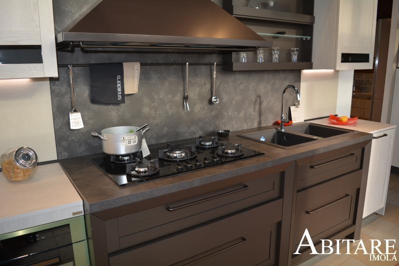 cucina hera snaidero blocco cottura maniglia cucine imola abitare classica vetrinetta pensili alti abitare imola fontanelice lugo castenaso ozzano